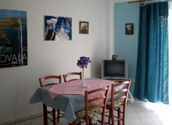 Apartment near the sea in Novalja - Image 1 - Novalja - rentals