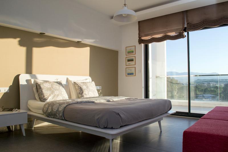 Upstairs master bedroom - Beautiful Maisonette at luxury spa resort near Side - Colakli - rentals