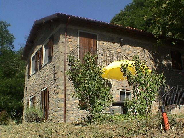 Eco-Friendly Farmhouse with horses C2 - Image 1 - Castiglione Di Garfagnana - rentals