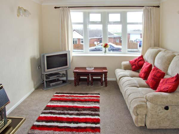 BASFORD VIEW, cosy holiday home, garden, close to amenities and walking, in Cheddleton, near Leek, Ref 25258 - Image 1 - Cheddleton - rentals