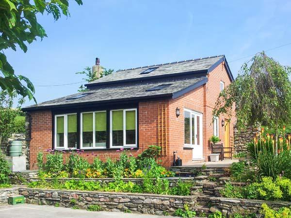 BECK COTTAGE, romantic detached cottage with woodburner, patio in Pennington Ref 27034 - Image 1 - Pennington - rentals