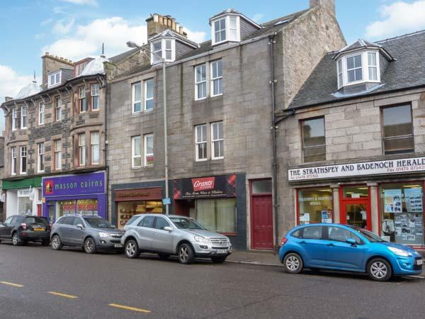 40A HIGH STREET, cottage apartment, with open fire, garden, town centre location, in Grantown-on-Spey, Ref 30737 - Image 1 - Grantown-on-Spey - rentals