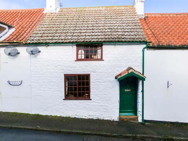 2 WEST END, pretty, terraced cottage, open fire, enclosed gravelled garden, in Muston near Filey, Ref 904665 - Image 1 - Hunmanby - rentals
