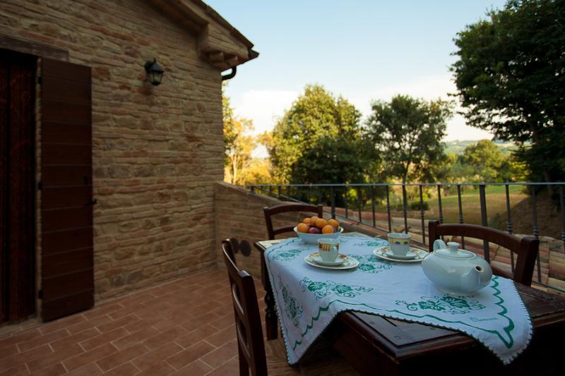 Ca' Princivalle - Sambuco terrace - Agriturismo Ca' Princivalle Marche - apt. Sambuco - Pesaro - rentals
