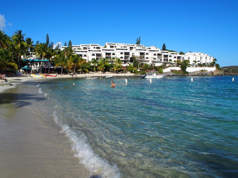 Cowpet Bay East Condo Complex #20 in the middle - Too Blue Villa - Spectacular Caribbean front 3B/3B - Saint Thomas - rentals