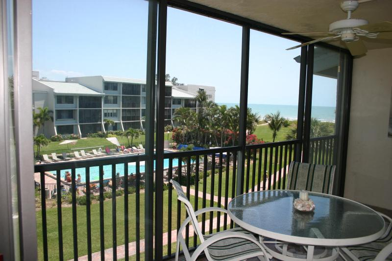 Beach, Gulf and Pool from Lanai - Free Bikes-Upgraded-Great Beach View-Book/Save - Masaryktown - rentals