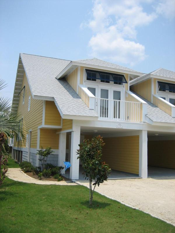 Front of Unit - Beachside Townhome with Gated Pool - Mexico Beach - rentals