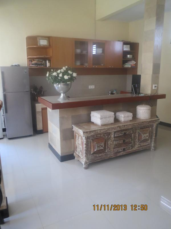 open kitchen - Great located tropical home - Canggu - rentals