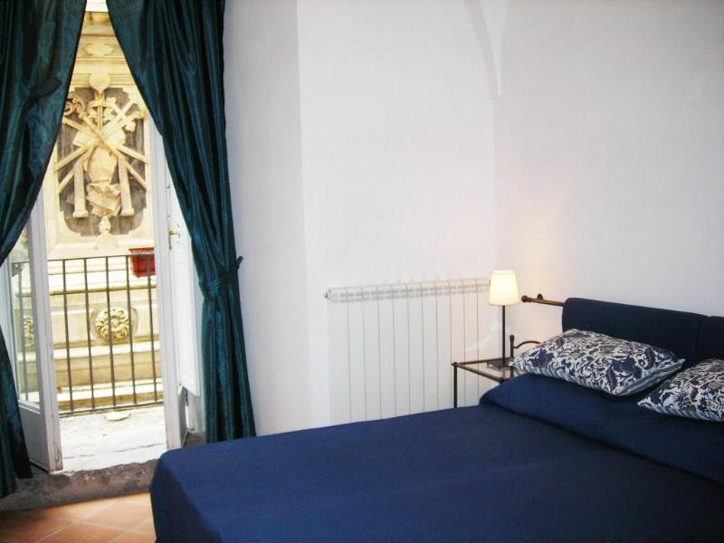 Bedroom - Three Bedroom Apartment in the Historical centre - Naples - rentals