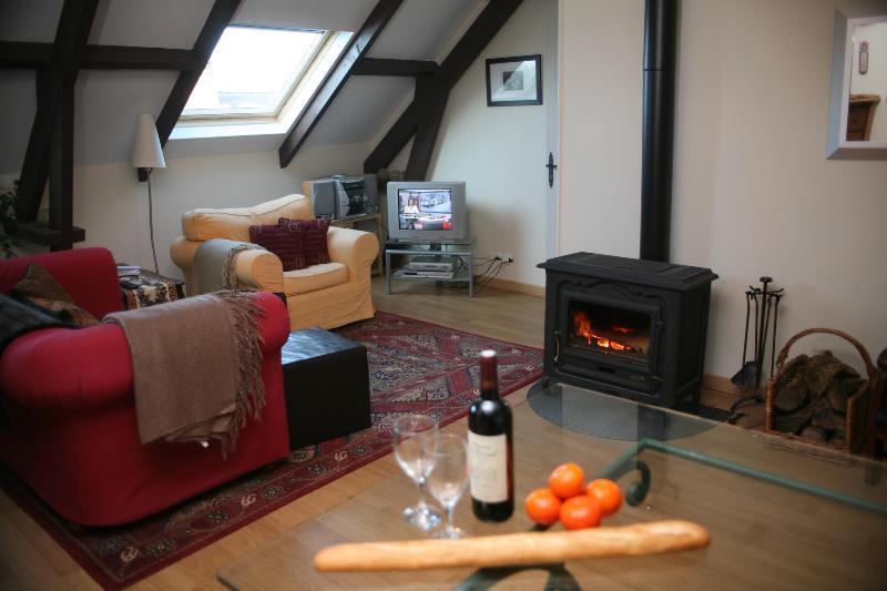 the fireside - couples look - barn apartment near Ste Mere Eglise - Saint-Come-du-Mont - rentals