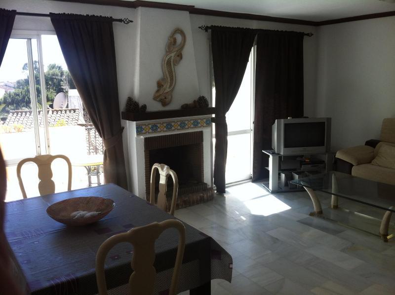Beautiful house in Calahonda 5 mins from the beach - Image 1 - Sitio de Calahonda - rentals