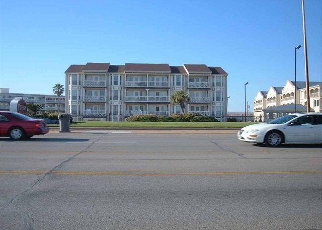 The Victorian Condominium - Great beachfront condo- conveniently located, fishing, pools, deli, spa - Galveston - rentals