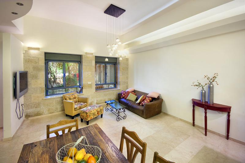 Amazing Ground Floor 3 Bdr Apt - Great Location! - Image 1 - Jerusalem - rentals