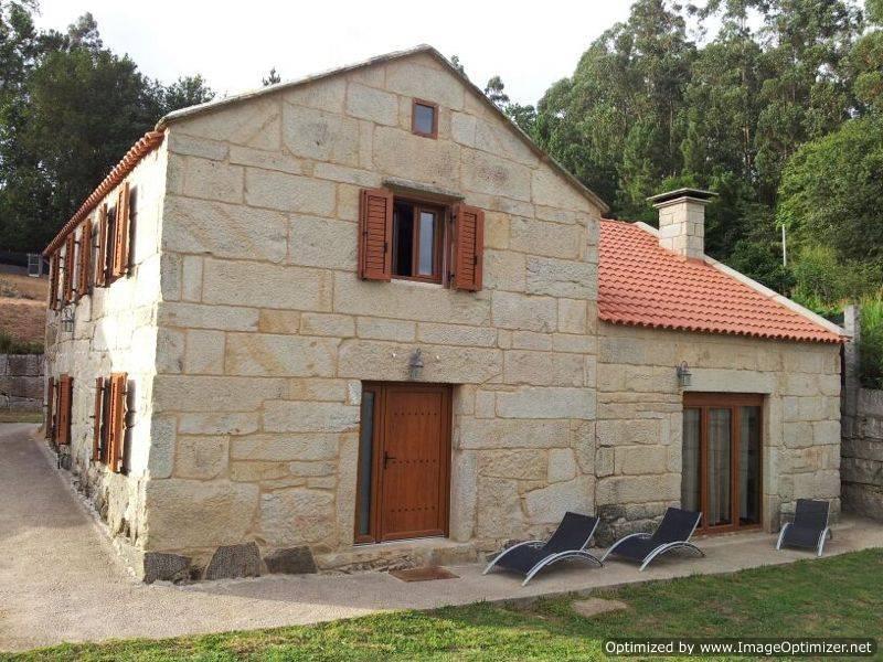Lovely restored country house in Marin, Pontevedra - Image 1 - Pontevedra - rentals