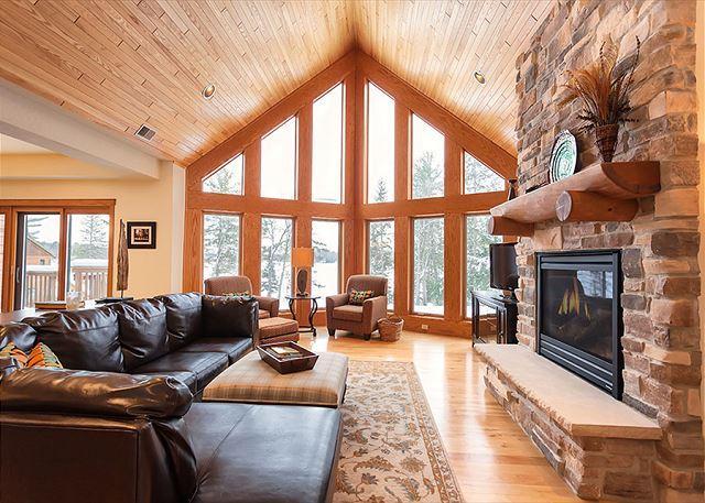 Living Room - The Copperwood Condominiums 3 Bedroom Private Vacation Rental Condominium - Eagle River - rentals