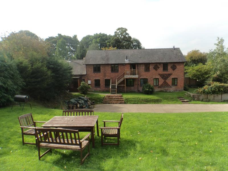 Beautiful Welsh Barn Conversion in Mid-Wales - Image 1 - Welshpool - rentals
