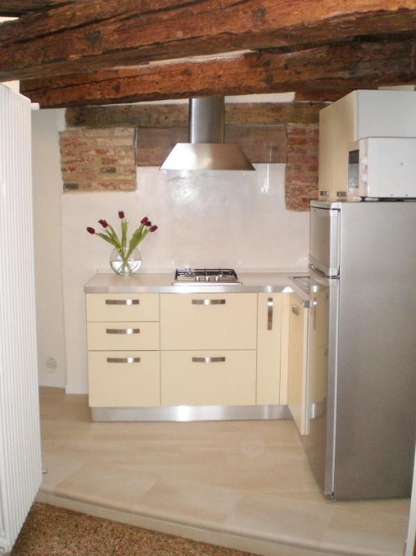 kitchen - Elena Suite - free wi-fi - historical centre - Venice - rentals