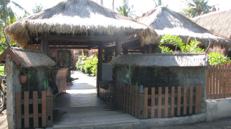 Front entrance to Pantai Karang - Pantai Karang - Gili Trawangan - rentals