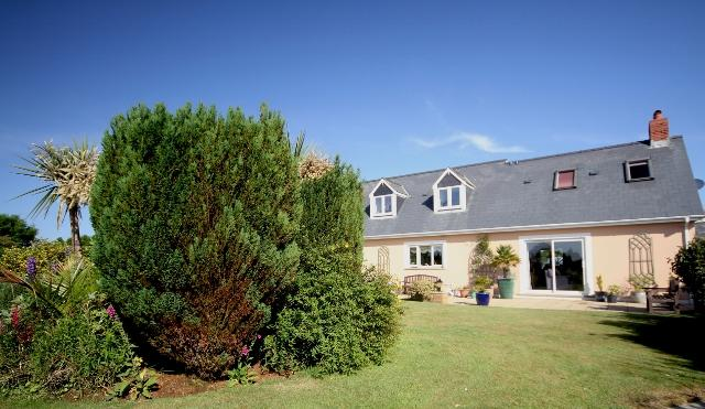 Our garden for you to relax in - Warm & welcoming three bedroom dormer bungalow - Saint Davids - rentals