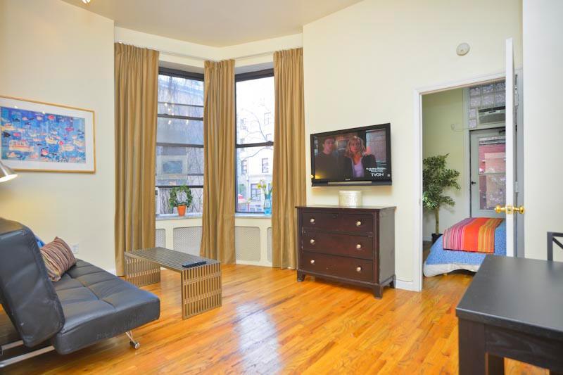 ALACANTA TownHouse 1 BR & Terrace - Image 1 - New York City - rentals