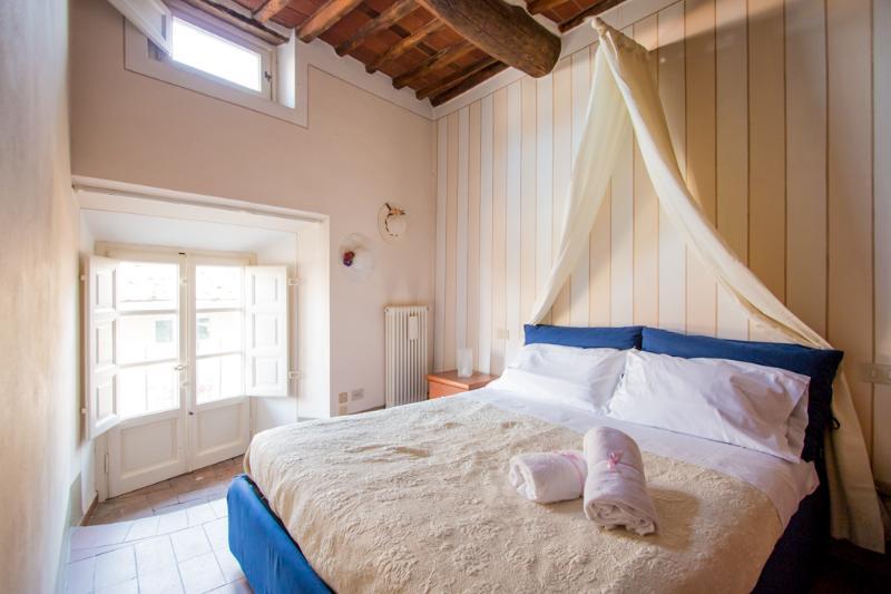 """""""Piazza Anfiteatro"""" cozy apartment - Image 1 - Lucca - rentals"""