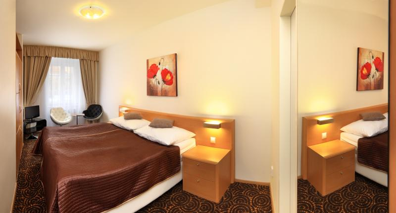 Air-conditioned bedroom with comfy bed. - Double room Economy / Salvator Superior Apartments - Prague - rentals
