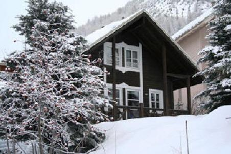 Chalet in the snow - Alpine ski chalet with log fire, sleeps 8 - Allos - rentals