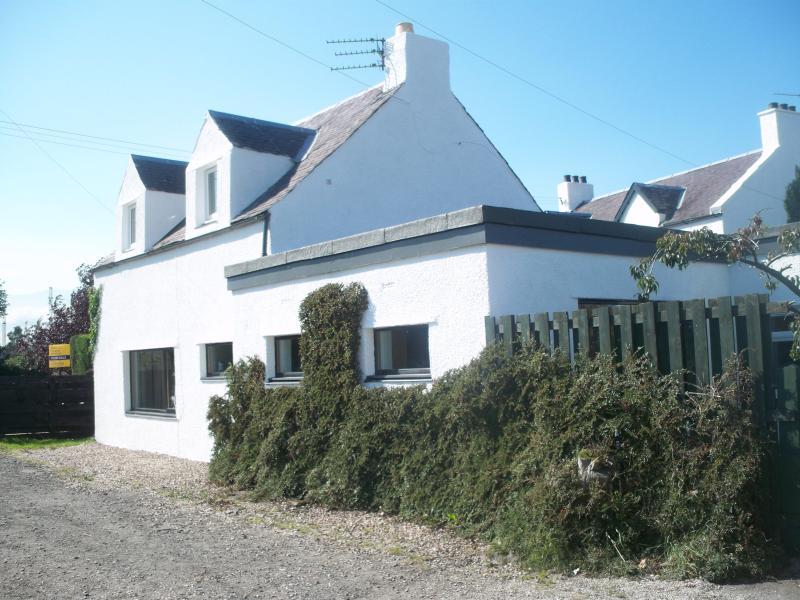 front of ochil cottage - lovely cottage - Bannockburn - rentals