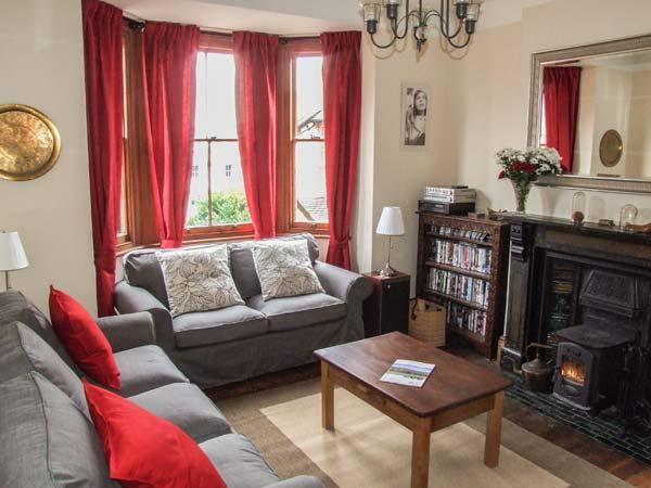 2 NORFOLK VILLAS, detached, three storey cottage, woodburner, pet-friendly, close to town centre, in Malvern, Ref 22904 - Image 1 - Malvern - rentals