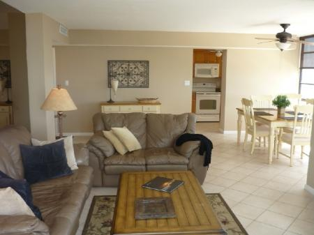 Beautiful Open Living Area - SUPER NICE beachfront condo with Tranquil Views of Sunsets on the Gulf - Marco Island - rentals