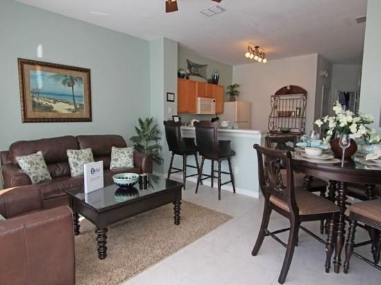 3 Bedroom 3 Bath Town House In Kissimmee Resort . 8106PPL - Image 1 - Orlando - rentals