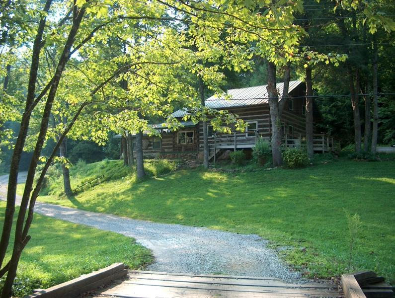 Viking Mountain Lodge - Viking Mountain Lodge - Log Cabin on Paint Creek - Hot Springs - rentals