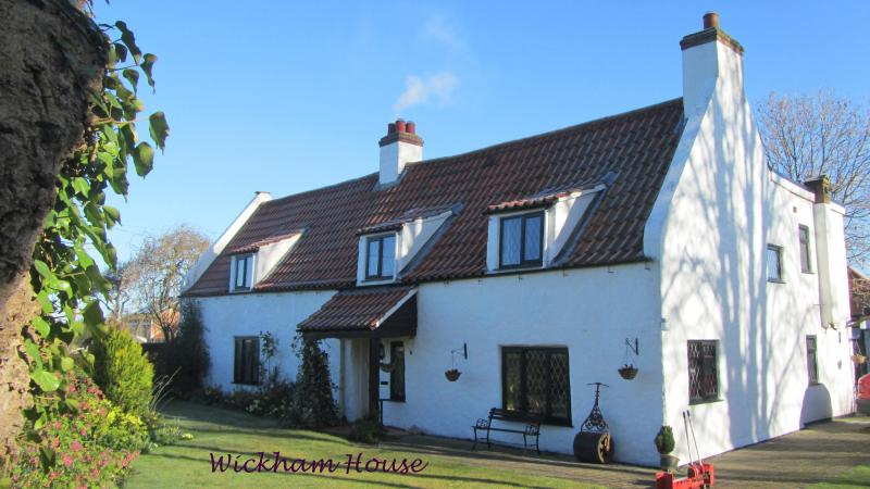 Wickham House B&B, Conisholme, Near Louth and Cleethorpes - Image 1 - Louth - rentals