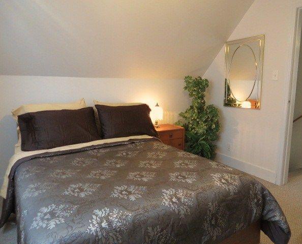 Comfort at its Best - MASTER - Horseshoe COTTAGE - NO Pull  Outs - NO Bunk Beds - Niagara Falls - rentals