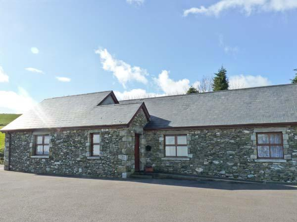 ROSELEA COTTAGE, two en-suite bedrooms, all ground floor, wet room, delightful views, semi-detached cottage near Woodenbridge, Ref. 24576 - Image 1 - Aughrim - rentals