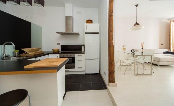 Kitchen with living room view - In the center of Madrid!! Awesome!! Puerta del sol!! - Madrid - rentals