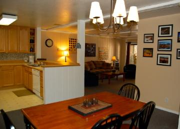 Open Living Space - 2B/2B Condo in Mammoth-Walk to Ski Lifts! - Mammoth Lakes - rentals