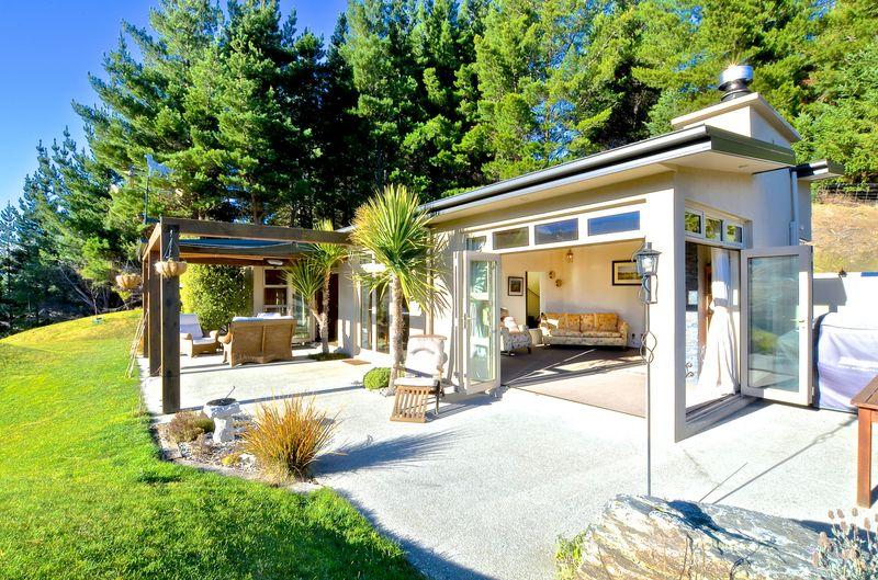 Beautifully situated between Queenstown/Arrowtown - Image 1 - Arrowtown - rentals