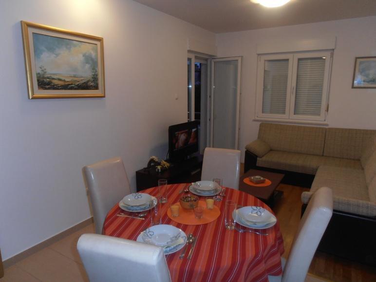 Apartment Gloria-Podstrana - Image 1 - Podstrana - rentals