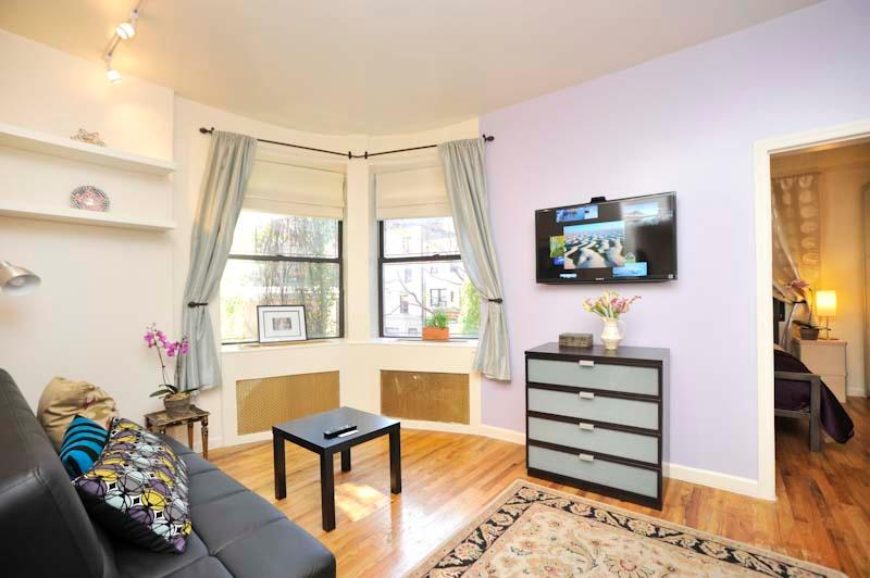 Living Room - Odyssey UWS Town House 1 Bedroom - New York City - rentals