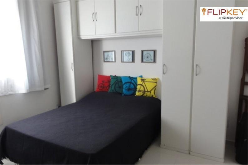 Bedroom - Double bed - Copacabana Beautiful Studio Posto 6 - Rio de Janeiro - rentals