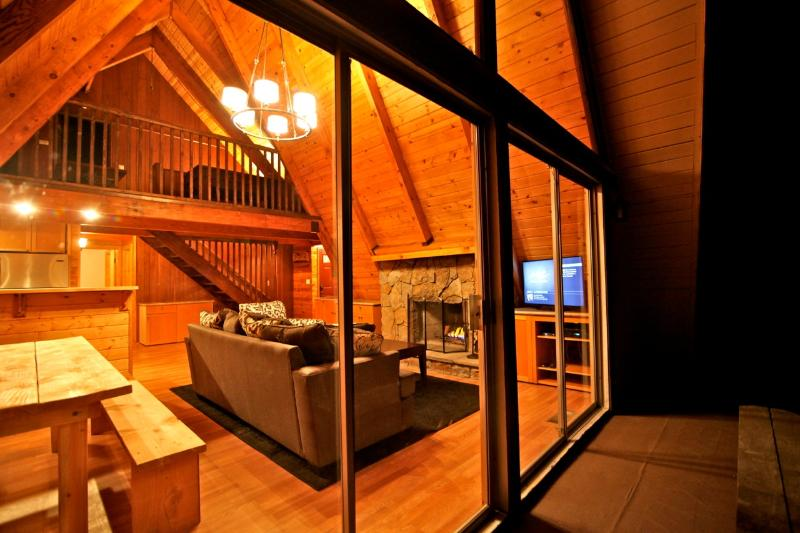 Eagles Nest Lodge - Eagles Nest Lodge - passes to private beach clubs - Lake Arrowhead - rentals