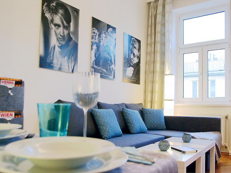 comfortable living room with dining area and sofabed - Apartment Modern Vienna Ottakring - Vienna - rentals