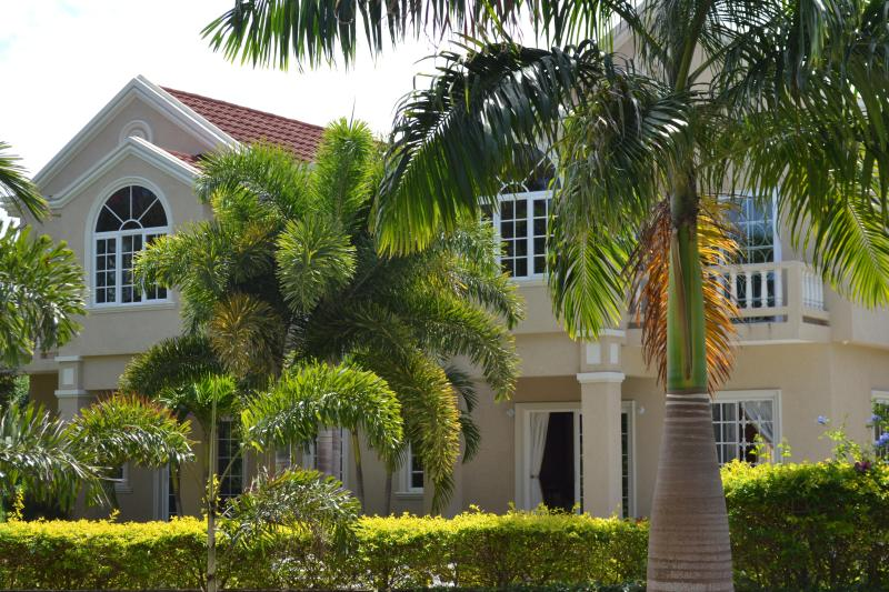 Silver Lime Villa and Catering Service - Image 1 - Runaway Bay - rentals