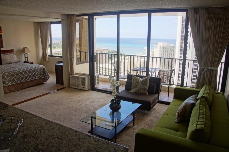 Views throughout every room - Luxury Ocean View condo in Waikiki banyan, sleeps5 - Honolulu - rentals