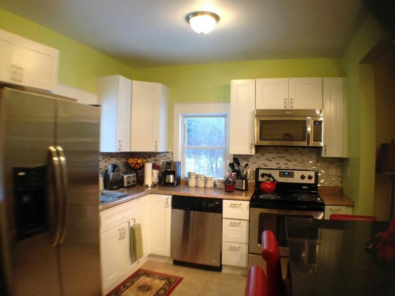 Newly Renovated Farmhouse - 4 Bedrooms 2.5 baths - Image 1 - Big Indian - rentals