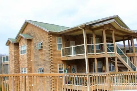 Top Floor Condo Near Silver Dollar City - Eagle's Nest Penthouse 2Bdr Condo - Branson - rentals