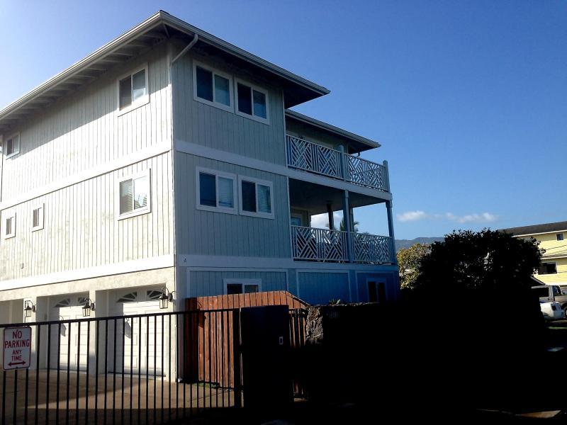Ohana Pili Kai Beach House: Amazing North Shore Single Family House Across From Beach/Beach Park - Image 1 - Waialua - rentals