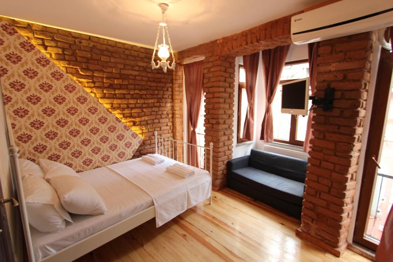 Lovely&Cheap Studio in Taksim / Vintage House - Image 1 - Istanbul - rentals