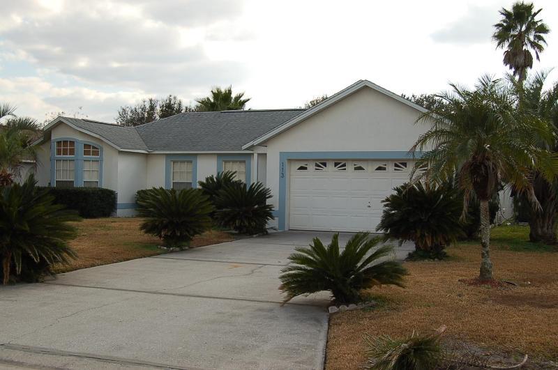 113 3 Bedroom home in quiet community with pool - Image 1 - Davenport - rentals